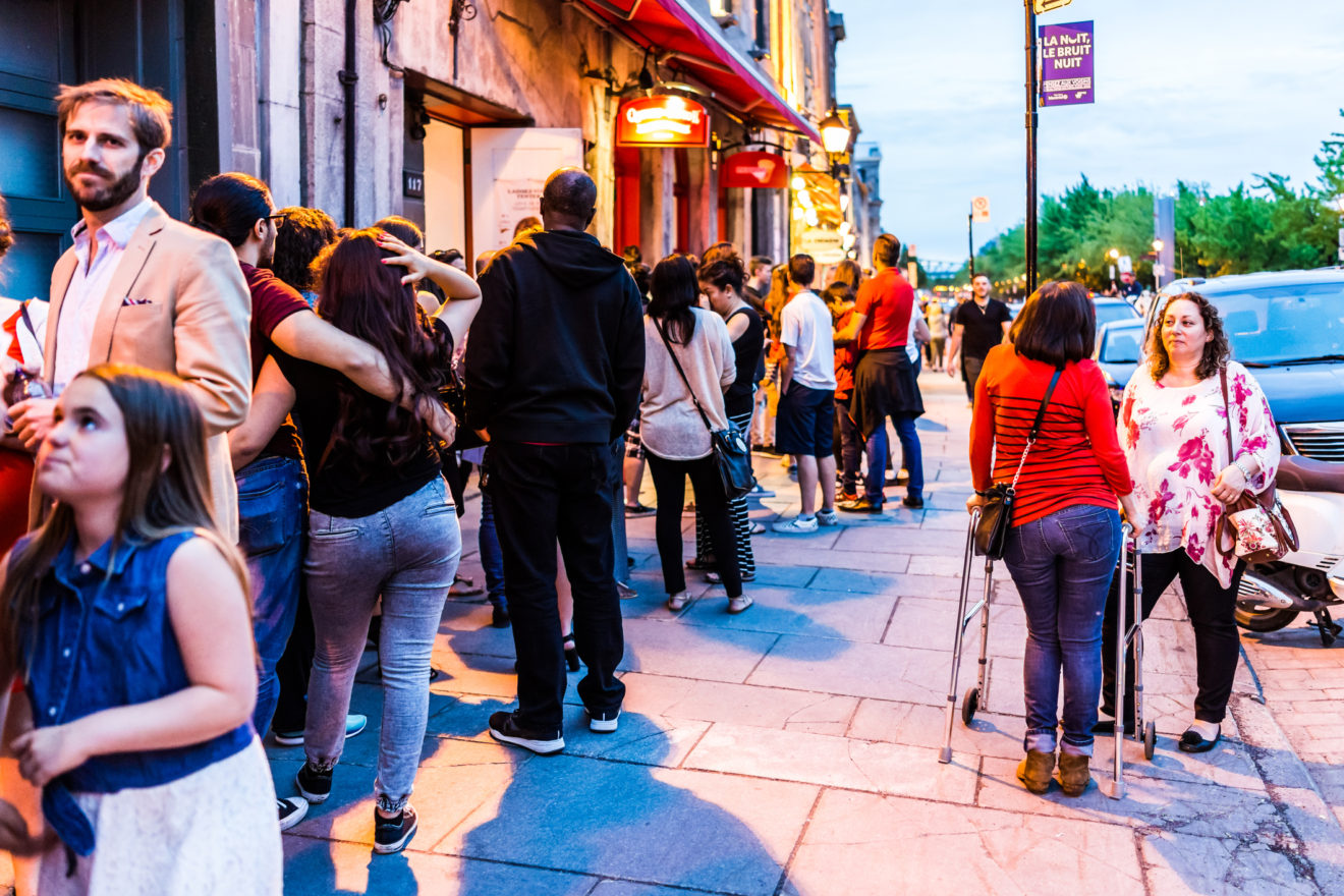 4 Tips for Boosting Foot Traffic to Your Restaurant (and How Technology Can Help)